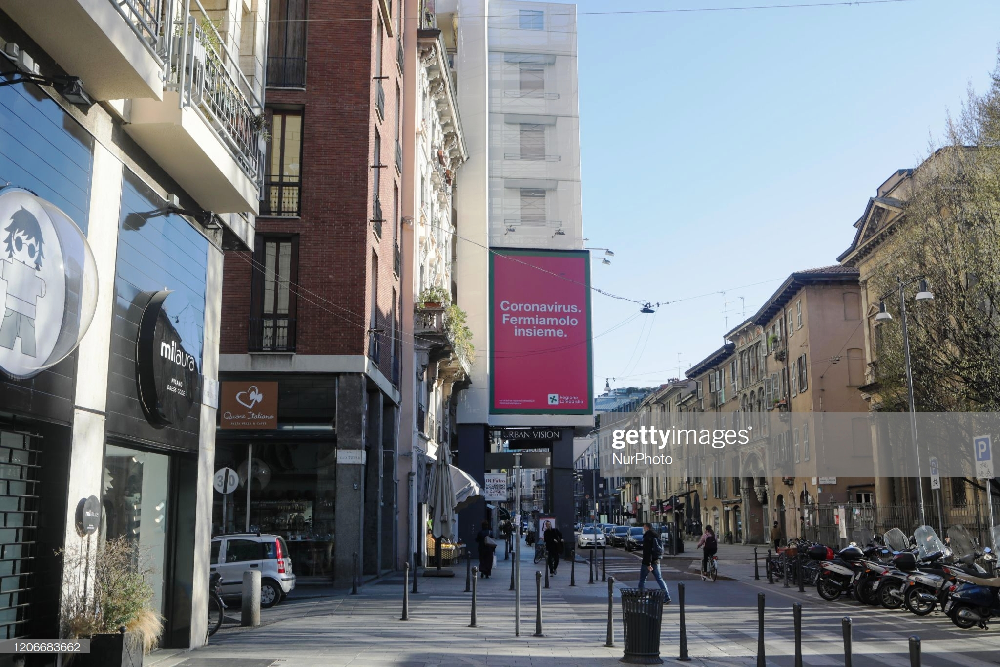 a-general-view-of-corso-garibaldi-on-march-11-2020-in-milan-italy.-photo-by-mairo-cinquetti-nurphoto-via-getty-images-editada